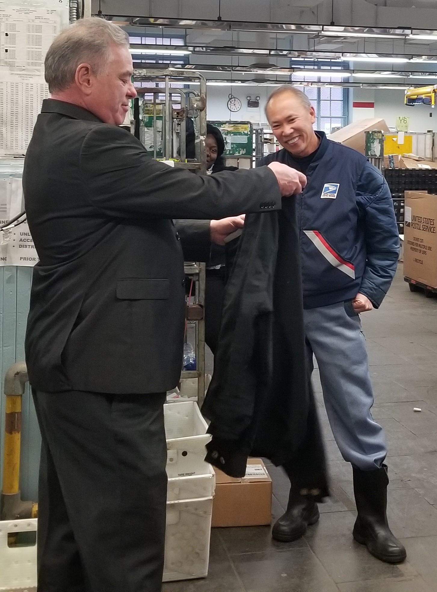 President-McCarthy-presents-Tone-Retiree-Jacket
